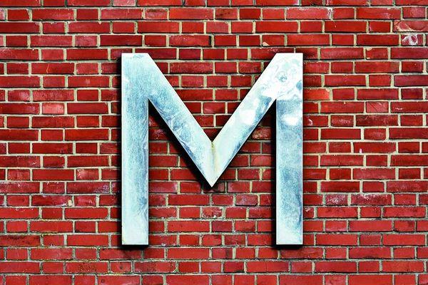De 1921 à 1983, jusqu'à 800 ouvriers ont œuvré entre ces murs de briques rouges qui, à la faveur d'une réhabilitation, menée entre 2015 et 2017, ont retrouvé leur lustre d'antan. Le 21e District, comme on l'appelle désormais, abrite 249 logements, 425 m² de commerces et 1 031 m² de bureaux