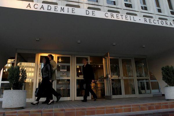 Les trois élèves sont restés sans affectation plus de quatre mois après la rentrée scolaire.