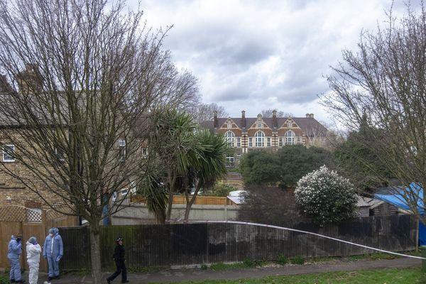 Les policiers avaient découvert le corps de Laureline Garcia-Bertaux dans le jardin de cette propriété au sud ouest de Londres.