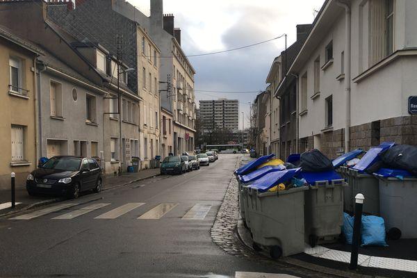 Les poubelles s'amoncellent dans le quartier Mangin à Nantes