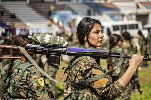 Une combattante kurde des unités de protection du peuple en mars 2019.