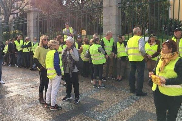 Une délégation de gilets jaunes est reçue par le directeur de cabinet de la préfète de Corse.