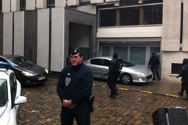 Important dispositif de sécurité pour l'arrivée de Redoine Faïd au palais de justice de Lille.