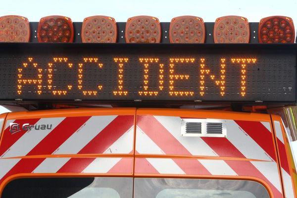illustration panneaux de signalisation d'un accident