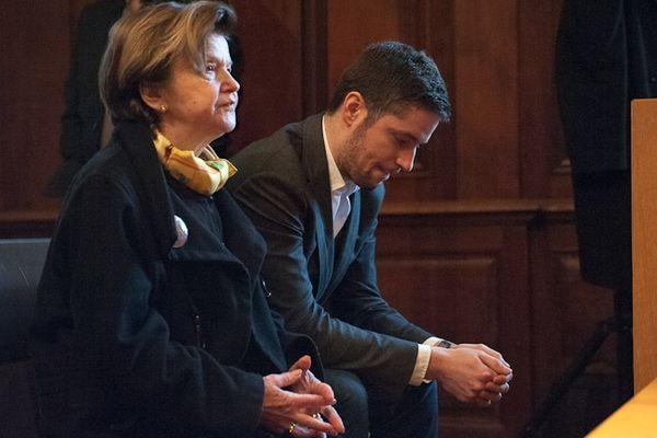 Dans la salle d'audience, et présents depuis le début du procès, la grand-mère de Pierre Nasica et son frère.