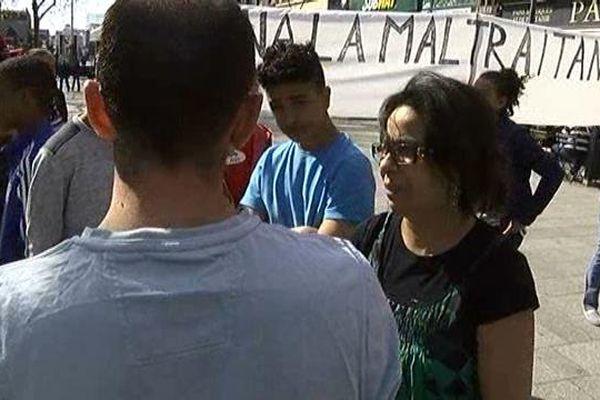 Mailka Belkhil dénonce des brimades que son fils aurait subies dans une école privée catholique de Roubaix.