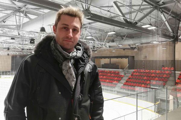 L'ancien champion du monde de patinage artistique Brian Joubert coachera ses élèves au championnat de France élite de Dunkerque en décembre.