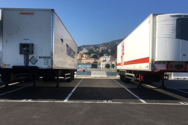 L'inauguration lundi 16 octobre d'un nouveau terre-plein de 6200 m2 sur le port de Bastia (Haute-Corse)