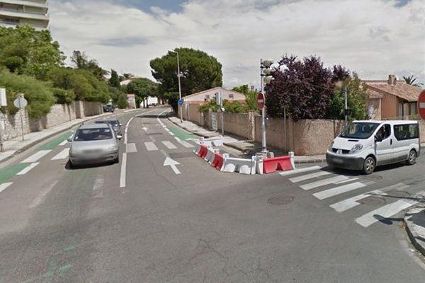 Le carrefour de l'avenue Fleminge et du boulevard Fournier à Martigues.