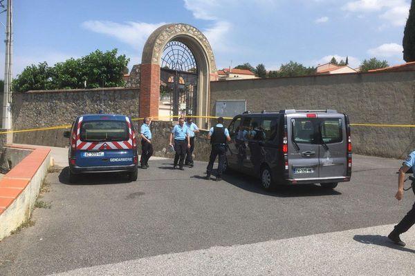 C'est dans ce cimetière de la commune d'Estagel dans les Pyrénées-Orientales, qu'a été retrouvé le corps sans vie d'une jeune fille de 18 ans, ce dimanche 7 juillet 2019.