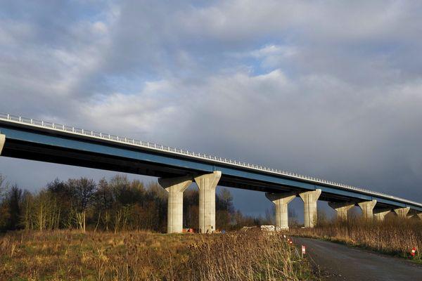 Le nouveau viaduc de Langeais sur l'A85 en Indre-et-Loire