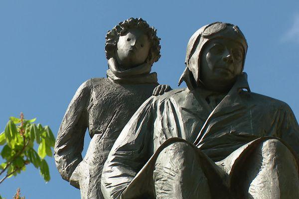 Antoine de Saint-Exupéry en compagnie de son Petit Prince, place Bellecour à Lyon