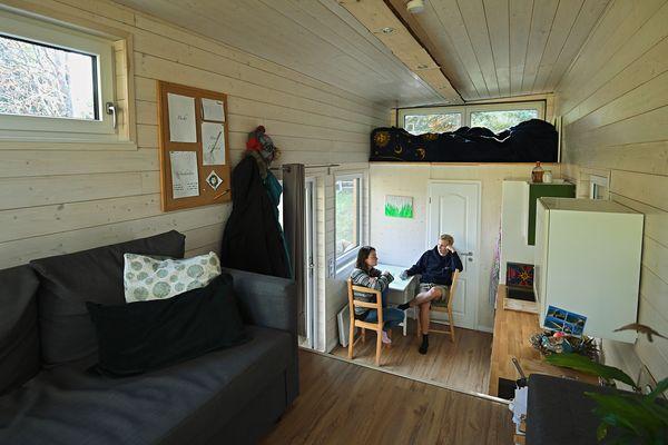 L'intérieur douillet d'une tiny house
