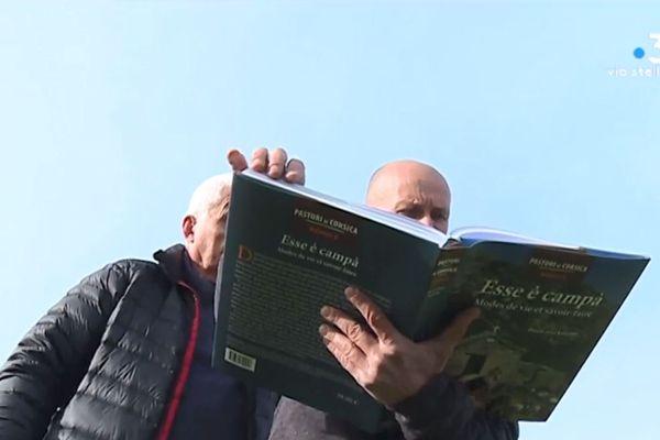 Dans son troisième livre consacré aux pastori di Corsica, le journaliste Pierre-Jean Luccioni dévoile le mode de vie des bergers de Corse à travers l'histoire.