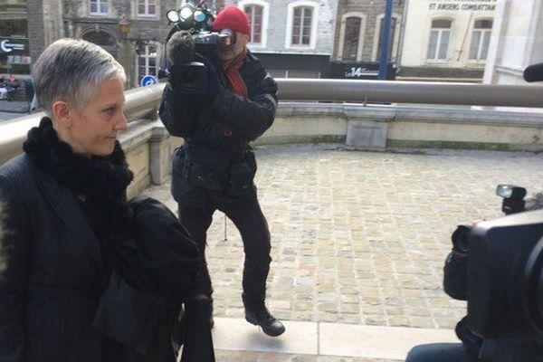 L'avocate de la mère de la fillette, Maître Fabienne Roy-Nansion, est arrivée au tribunal de Boulogne-sur-Mer dans la foulée de sa cliente