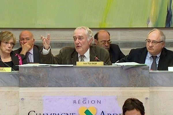 """Jean-Paul Bachy, quand il était encore Président de la Région Champagne-Ardenne, dénonçait une fusion """"imposée d'en haut""""."""