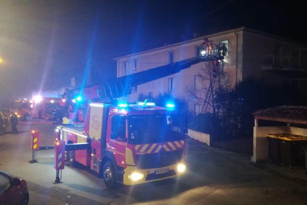 Le feu s'est déclaré jeudi 10 décembre peu avant 22 heures.