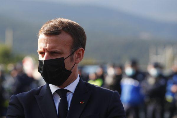Emmanuel Macron en visite au Perthus (Pyrénées-Orientales), le 5 novembre 2020.