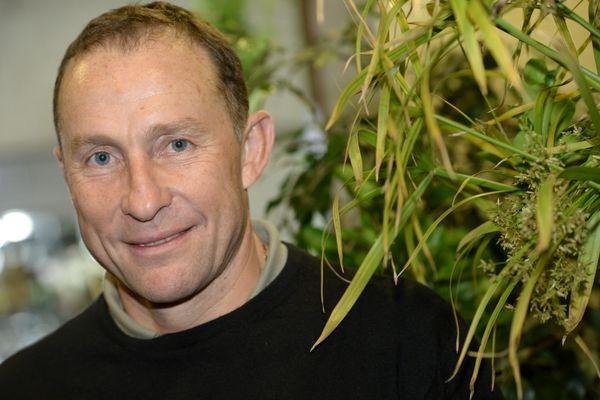 """Jean-Pierre Papin va entraîner l'équipe de l'OM...pour le """"match des héros"""" le 13 octobre prochain."""