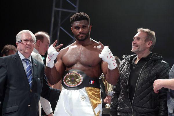 Raphaël Tronché a conservé sa ceinture de champion de France des poids lourds à Besançon le 22 mars