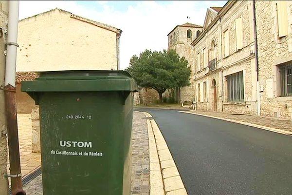 L'USTOM a mis en place la redevance incitative en place depuis 2013, depuis les coûts se sont envolés et devraient encore augmenter pour financer le traitement des déchets... Le syndicat se heurte de plus en plus à des usagers mécontents