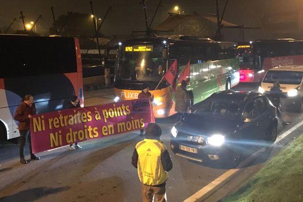 Blocage à Brest au départ des cars