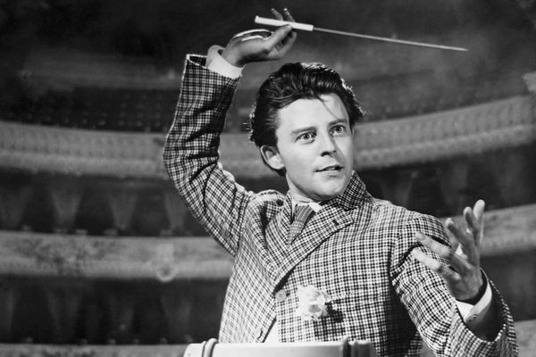 Gérard Philipe, dans le film, ''Les Belles de Nuit'' 1952