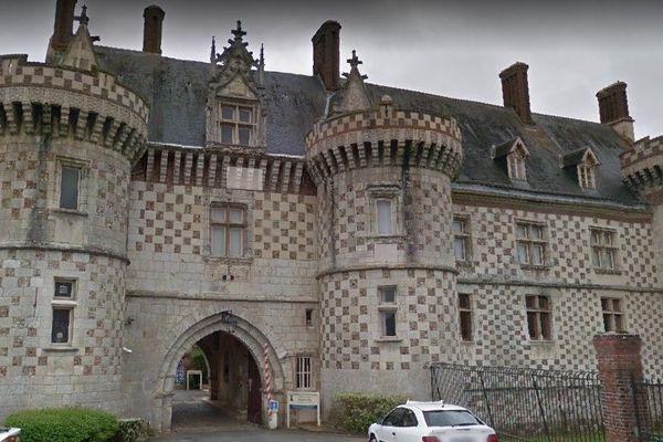 Entrée du centre hospitalier Henri-Ey de Bonneval, qui abrite l'unité de soins longue durée touchée par la grève.