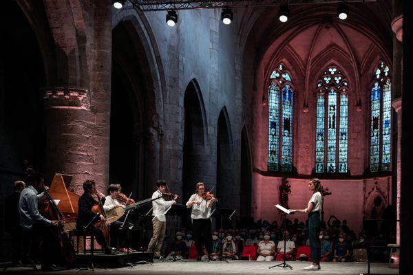 Jauge réduite et concerts raccourcis d'un côté; tarif libre et innovations de l'autre. Pour le festival d'Ambronay (Ain), l'un des rendez-vous majeurs de la musique baroque, l'épidémie de Covid-19 est l'occasion d'explorer de nouvelles voies.