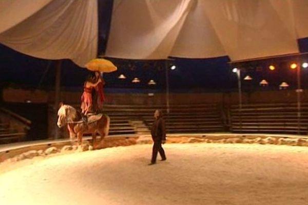 Numéro de voltige au cirque Pagnozoo