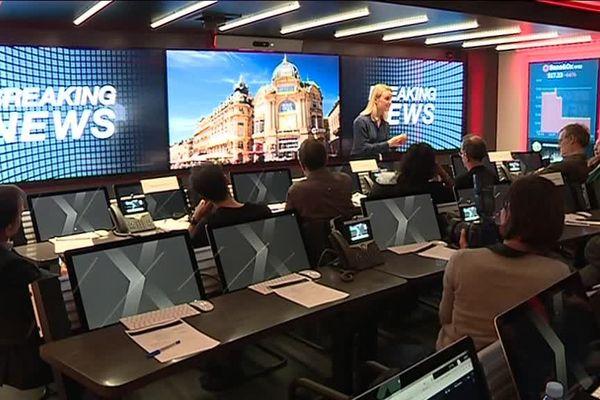 IBM propose aux entreprises de participer à une simulation de cyberattaque sur son site de Montpellier. Grace à un centre de crise cyber, équipé de haute technologie, intégré à un semi-remorqueconçu sur le modèle des centres d'opérations tactiques utilisés par l'armée.