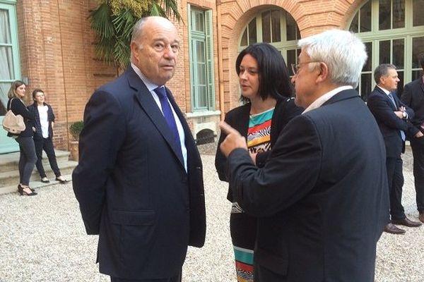 Jean-Michel Baylet avec la ministre du logement Sylvia Pinel dans la cour de la préfecture ce dimanche