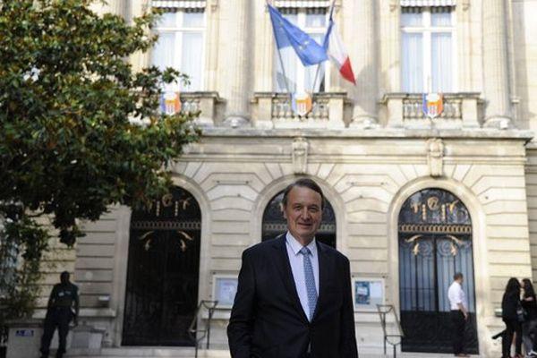 Rémi Muzeau, maire (LR) de Clichy-la-Garenne