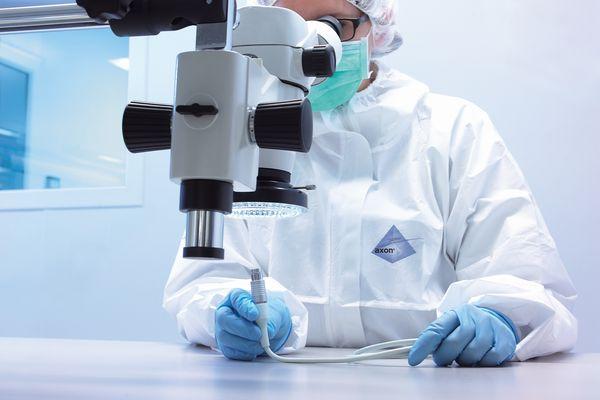 """Pour les produits médicaux, la fabrication se déroule en """"salle blanche""""."""