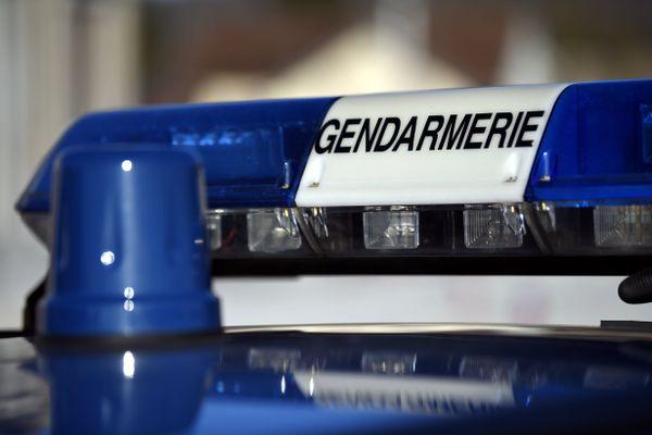 Le véhicule en faute était poursuivi par la gendarmerie, après un refus d'obtempérer et un vol à la tire.