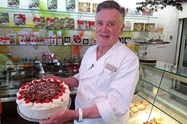 Claus Schäfer, pâtissier à Triberg, posséderait la plus ancienne recette du gâteau