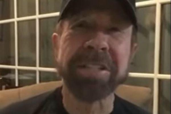"""""""Salut Bastia, c'est Chuck Norris !"""", le message de la star des films d'action des années 80 aux insulaires."""