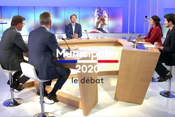 le plateau du débat pour Cherbourg-en-Cotentin animé par Sylvain Rouil