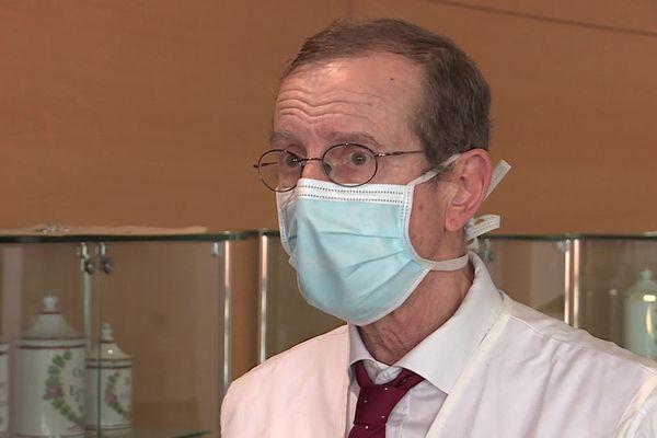 Pour le Professeur Jean-Emmanuel de la Coussaye, le nouveau rebond de cas de patients atteints de Covid-19 au CHU Nîmes annonce la troisième vague avant même les fêtes de fin d'années dans le département du Gard.