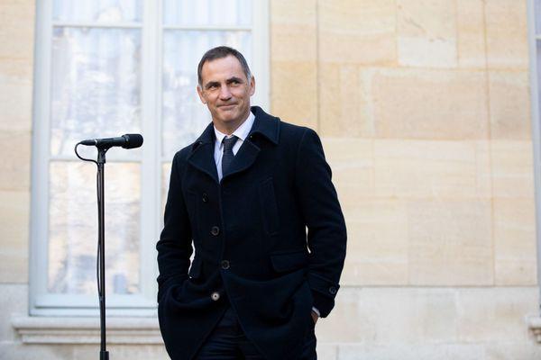 Gilles Simeoni mène campagne sans ses alliés de la majorité sortante.