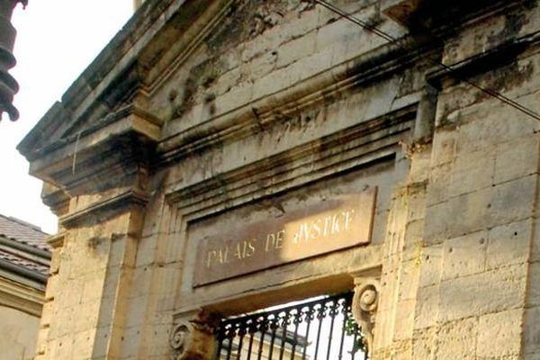 L'ancien palais de justice de Béziers - Archives.