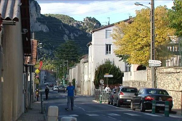 Rue de Saint-Bauzille-de-Putois dans l'Hérault - octobre 2016