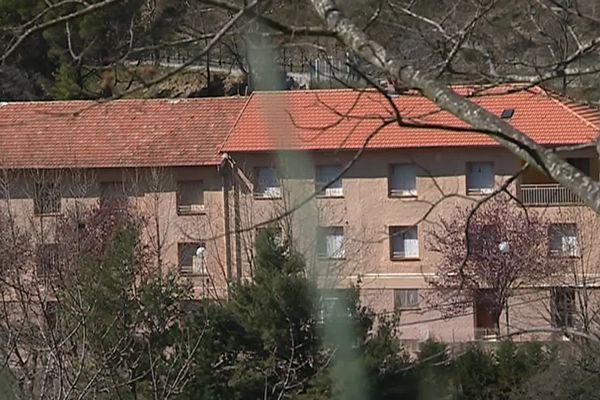 C'est dans cet ancien centre de vacances de Sainte-Agnès que doivent être hébergés des migrants mineurs.