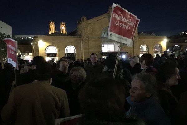 Rassemblement contre l'antisémitisme à Nancy, mardi 19 février 2019, Place Simone Veil devant la gare SNCF.