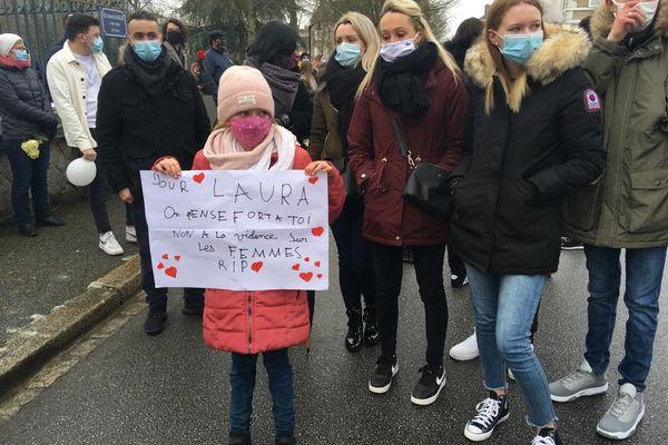 Cette marche blanche contre les féminicides, en l'honneur de Laura Tavarès, assassinée à Alençon