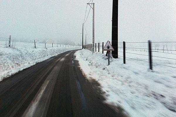 Une route près de Vassy (14) archives janvier 2013