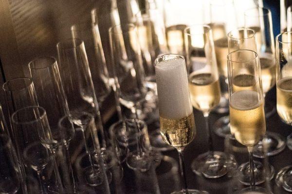 Image d'illustration - verres de champagne - Fred Dufour - AFP