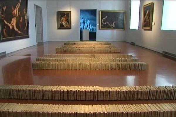 L'oeuvre d'Elie Cristiani a été réalisée à partir de supports récupérés dans la carrière de Brando.