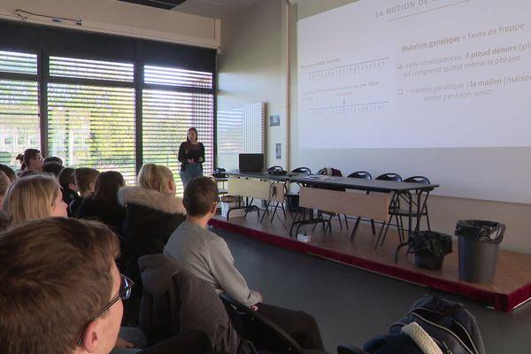 """22 novembre 2019 : conférence de l'opération """"1000 chercheurs dans les écoles"""" avec les élèves de 3e du collège Jena de La Fontaine de Bourgtheroulde-Infreville (Eure)"""