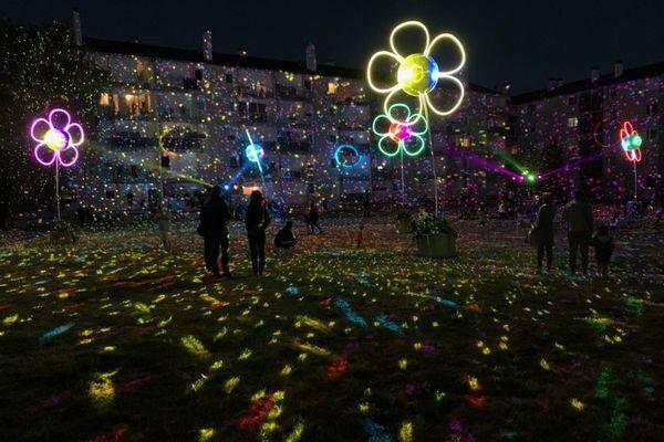 """Les"""" Fleurs de Lumière"""" dans le quartier des Hautes-Chalais à Rennes"""